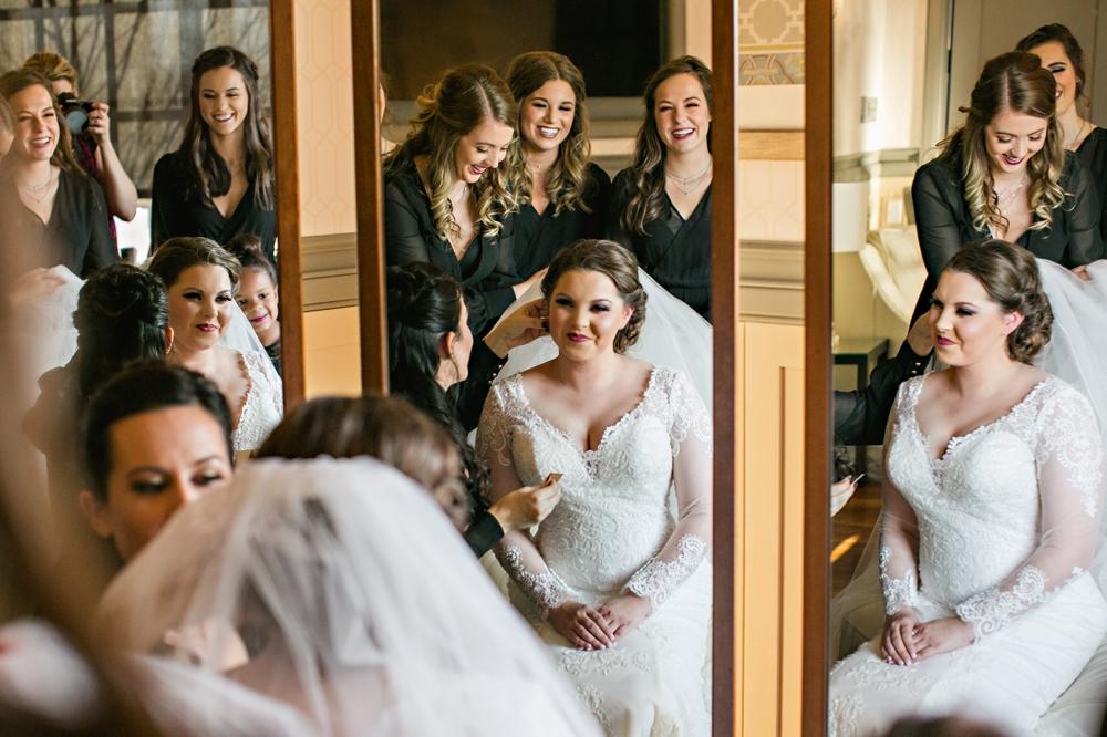 Kansas City Wedding Photographer Darbi G. prep pics