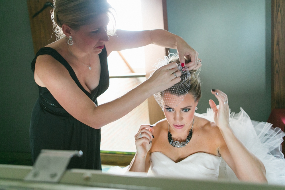 Tips for great getting ready wedding pics by Kansas City Wedding photographer Darbi G